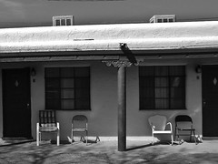 doubles . IMG_0061 (Susan NYC) Tags: travel newmexico chairs albuquerque motel adobe nm doubles canonps80 ps80