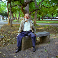 A Leisurely Walk (*tk) Tags: park portrait 6x6 film japan rolleiflex mediumformat square tokyo spring
