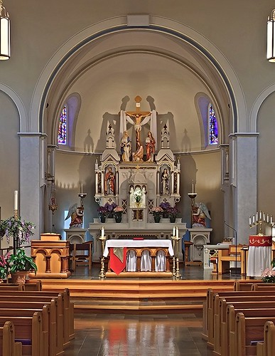 Sacred Heart Roman Catholic Church, in Valley Park, Missouri, USA - sanctuary