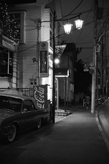 Tama town (F_blue) Tags: tokyo fuji  fordthunderbird 5012 nikomatel neopan400presto fuchushi fblue2008