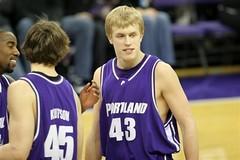 Luke, hijo de Jack y actualmente jugador de Portland University. Foto: AP Photo