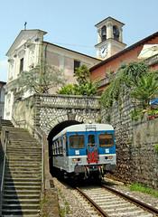 ALn 668 144 (Simone arcano) Tags: treno lenord fnm vello automotrici aln668144 galleriavello