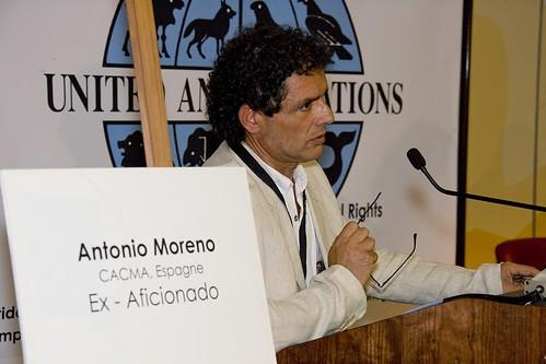 Antonio Moreno presidente del colectivo andaluz contra el maltrato animal(CACMA)