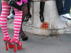 Space Invader PA_086 : Paris 4eme (deleted) (tofz4u) Tags: pink streetart paris tile shoes boots mosaic spaceinvader spaceinvaders talon deleted invader 75004 snapfish socket mosaque artderue rayures explored pa086 desactivated
