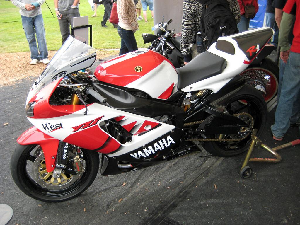 Yamaha R7 2696017477_e63f2cd714_b