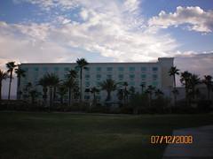 Avi Resort