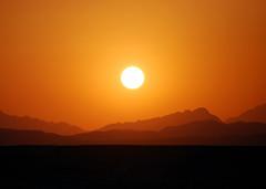 Red sea hills #1 (Giorgio Ghezzi) Tags: sunset sun montagne tramonto redsea sole marrosso mountainsa