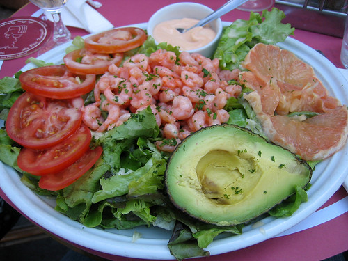 Shrimp salad with avocado and grapefruit