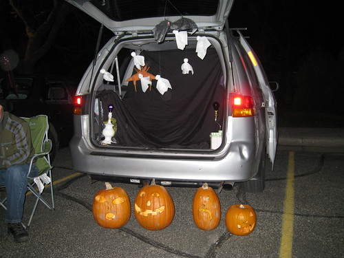 trunk-or-treat and a belated HAPPY HALLOWEEN!