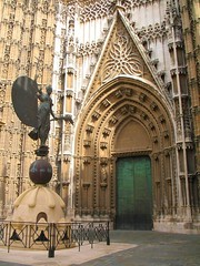 Cathedral (Graça Vargas) Tags: door españa canon sevilla spain cathedral giraldillo ph227 graçavargas ©2008graçavargasallrightsreserved 4402190109