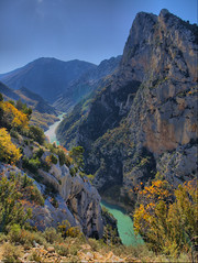 Gorges du Verdon HDR (Jordi Bri) Tags: autumn france fall rio alpes river landscape frana paisaje olympus canyon otoo provence gorges francia hdr verdon haute tardor riu paisatge caon garganta e510 lapaludsurverdon gorgesduverdon 5xp mywinners jordibrio