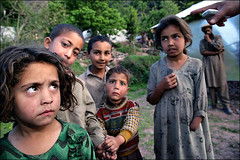 kids from Sangar - Pakistan (Maciej Dakowicz) Tags: 2005 pakistan people girl children kid earthquake asia help aid damage kashmir balakot