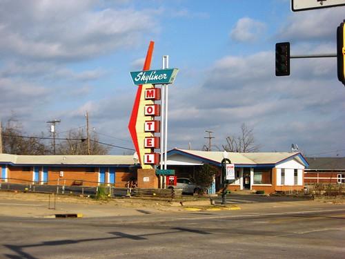 West Tulsa Motels
