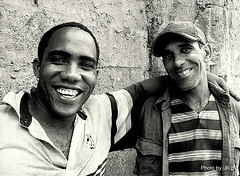 Havanas Friendly People (ulli_p) Tags: people blackandwhite bw art portraits faces havana cuba happiness picturesque blackdiamond blackwhiteaward bwartaward bestflickrphotography artofimages