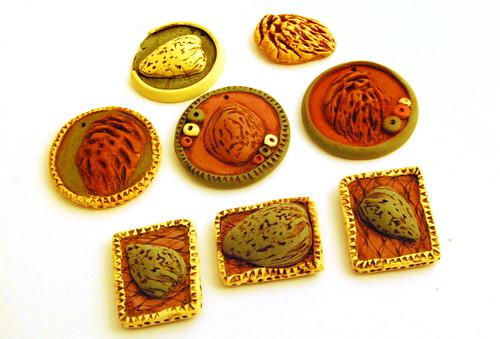 Pit pendants