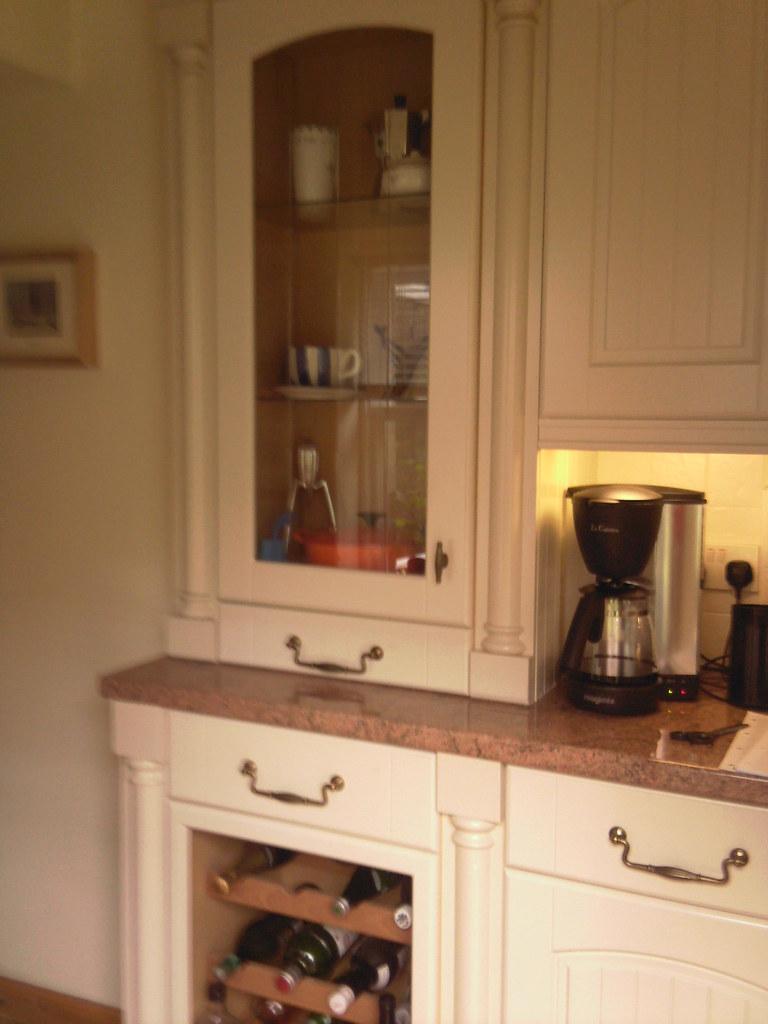 Kitchen - before 23/6/09