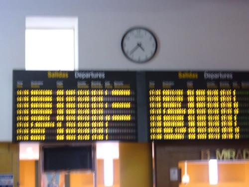Como saber si tu vuelo llega con retraso o no