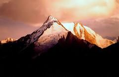 mysterious view of boulter peak  from doikar hunza(pakistan) (TARIQ HAMEED SULEMANI) Tags: pakistan sunset mountains art landscape evening north culture peaks hunza nagar gilgit beautifulmountains supershot snowmountains northpakistan doikar tariqhameedsulemani mysteriousmountains