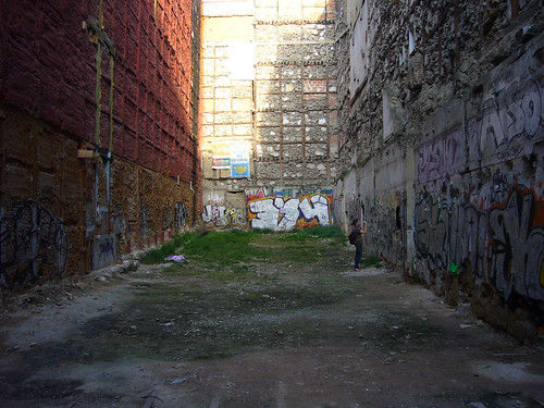 An urban gap in Madrid. (Heart Industry/Flickr)