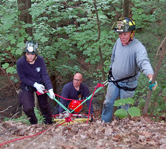 DSC_0048 (firephoto25) Tags: rescue ny training d50 nikon gorge ems firedepartment firefighters drill livonia missionroad conesus roperescue