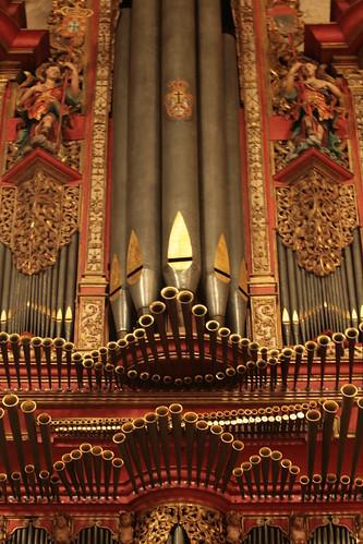 imponente orgão, na Igreja de Sta. Cruz