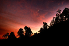Skyline (Micha67) Tags: trees sunset red sky moon mountains fall night dark landscape michael tn great explore micha smokey soe gsm 2007 schaefer gatlinberg blueribbonwinner supershot mywinners abigfave anawesomeshot aplusphoto theunforgettablepictures goldstaraward flickrestrellas qualitypixels damniwishidtakenthat llovemypics
