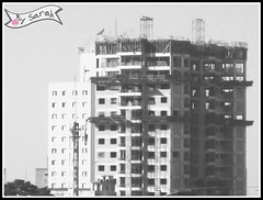 A building construction (Sarah Janis) Tags: blackwhite buildingconstruction contruo
