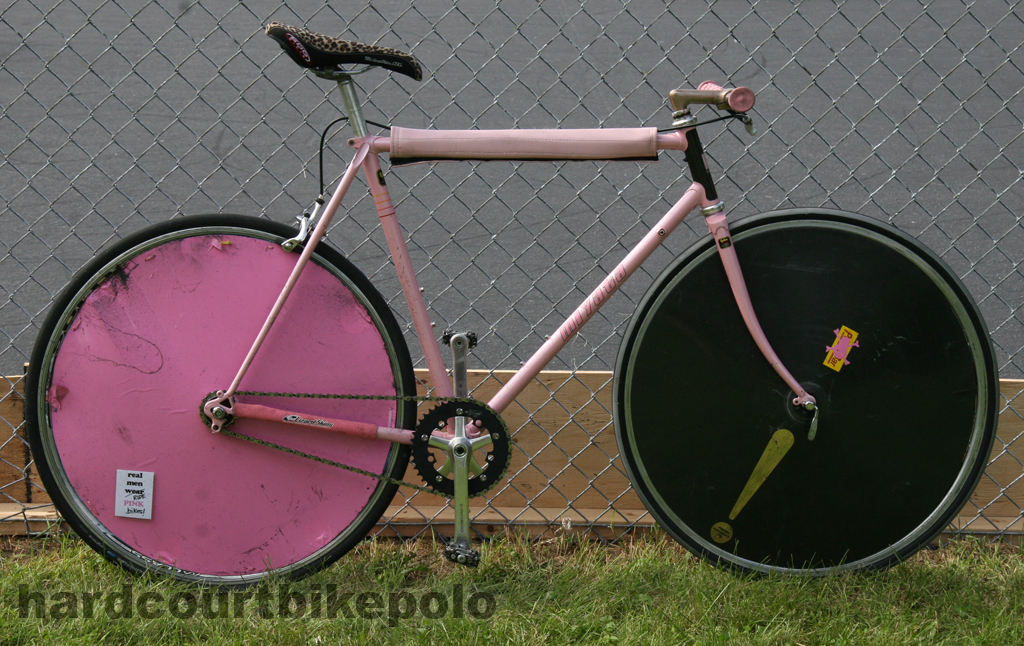 pink polo bike with two wheel covers miyata NSPI 2008 IMG_4413