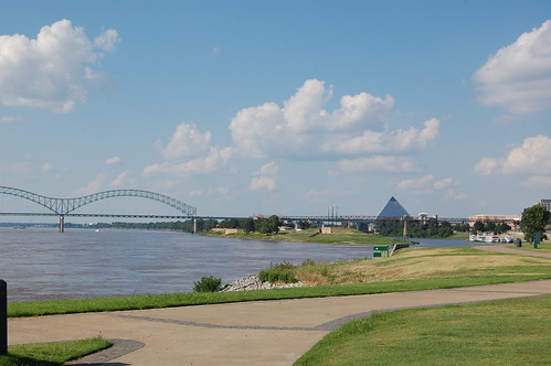 The Mississippi River, Memphis