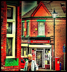 Ben's (~ paddypix ~) Tags: shop corner liverpool dingle renshawstreet newsagents mywinners