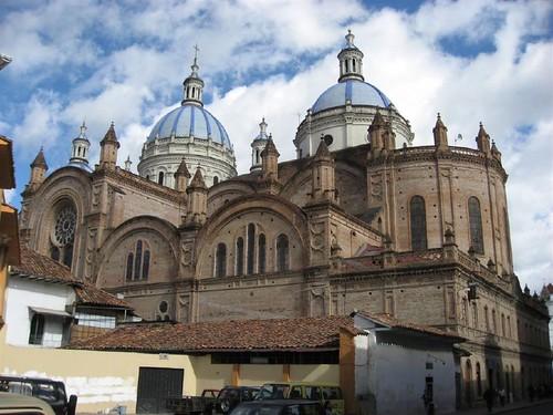 Cuenca (Ecuador) by Joerg Zwingli.
