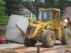 Cat 950e (testa1250) Tags: world road nyc plant west tower station wheel cat pc construction highway gm power general crane accident manhattan tag side linden center demolition gas motors cranes caterpillar machinery piston gloves glove wtc trucks click westsidehighway loader heavy corp 888 yonkers trade komatsu waterbottle jackhammer peterbilt excavator 1250 4100 generalmotors 1280 testas liebherr 375 testa 389 lomma excavators gmplant machiney sandhogs 345cl 375l lr1280 exacavators manitowc