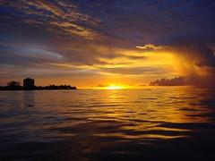 Atardecer en coveas (Javier Piragauta) Tags: en luz sol atardecer mar lluvia colombia playa cielo fotografia oceano sucre caribe atlantico coveas goldstaraward piragauta absolutelystunningscapes lesamisdupetitprince