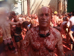 Is this the attack of the killer tomatoes, LOL (Mr. Muddy Suitman) Tags: travel spain tomatoes festivals foodfight latomatinabunol