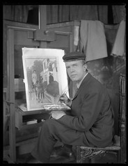 Edward Penfield, Artist (George Eastman House) Tags: horse hat painting artist pb artists painter easel chapu brokenchair georgeeastmanhouse drivinghorse edwardpenfield color:rgb_avg=4e4e4e williammvanderweyde geh:accession=197400560076