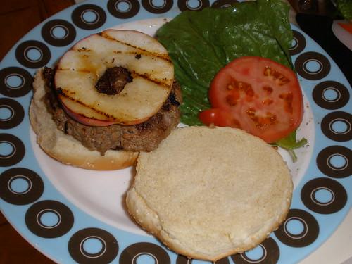 Cheddar/Gouda Burgersw/ Grilled Apple