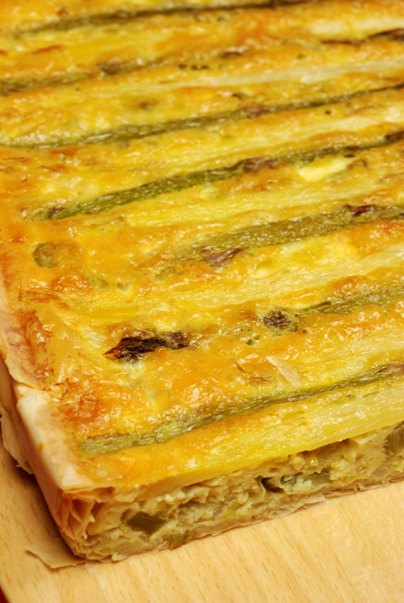 white and green asparagus tart© by Haalo