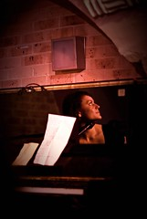 Rebekka's reflection in the piano (janbat) Tags: sunset red music woman paris rouge concert nikon piano 85mm d200 bender nikkor f18 musique musicien chtelet anebrun sunside femmen lecargo benotderrier jbaudebert rebekkakarijord pianste