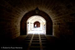Out of the maze (Berts @idar) Tags: tunel arco vacaciones crucero palmademallorca pasaje efs1855mmf3556 islasbaleares espaa canoneos400ddigital pendientesdeetiquetar