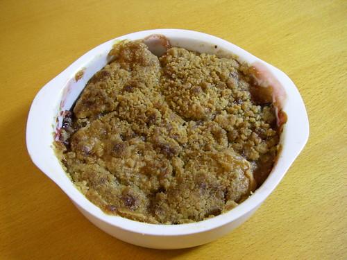 Apple plum crisp