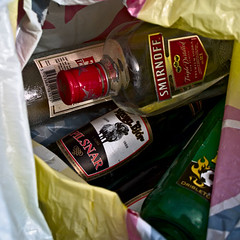 Ruddingardagur (Jan Egil Kristiansen) Tags: beer nest vodka cache smirnoff beerbottle fishermansfriend garbagecollection millumgilja reiur verur froyabjr froyabjr boottle ruddingardagur p5170077