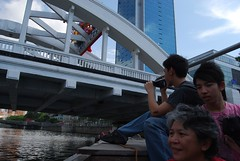 Boat Cruise (spOt_ON) Tags: singapore singaporeriver singaporeriverboatcruise