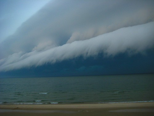 Awesom Storm Front That Darkened >> Poll Are You Scared Of Storms