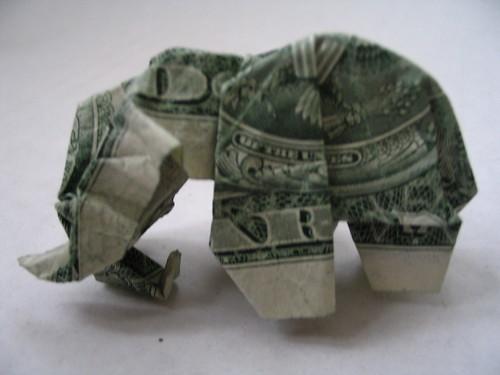 Слон из денег