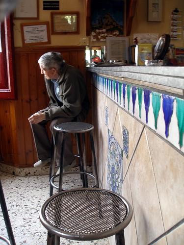 El hombre del bar