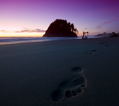 Been there done that.! (saldous) Tags: ocean sunset water oregon sand pacific d70 neskowin sigma1020mm proposalrock nikno gorillapod footprimt