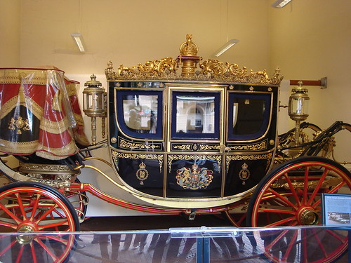 Buckingham Palace and Royal Mews BY 001