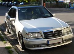 W202 (austrianpsycho) Tags: auto car sedan linz mercedes c mercedesbenz limousine cclass cklasse pkw w202 strase