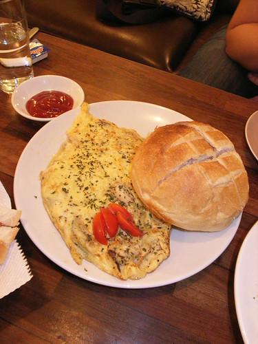 蘿勒香鮮菇蛋卷+法國麵包組合