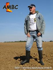 En bottes BAUDOU (pascal en bottes) Tags: boots goma rubber pascal wellies gummistiefel bottes botas gumboots gomma caoutchouc laarzen stivali baudou kumisaappaat gumicsizma botteux